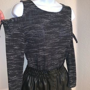 Lucky Brand Tie Cold Shoulder 3/4 Sleeve Top SzS